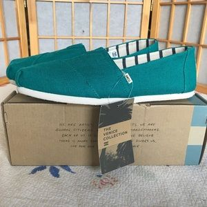Toms heritage collection  teal canvas classics
